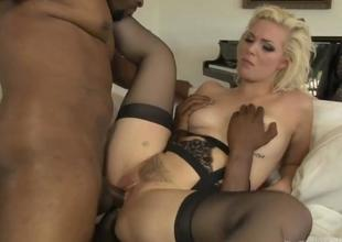 Hawt Playgirl Jenna Ivory Gets Team-fucked By Black Males
