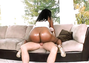 Bubble butt ebony Sinnamon Love loves it white