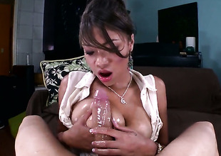 With bubbly pornographic just needs her overwhelming sexual desire to be fulfilled after tugjob