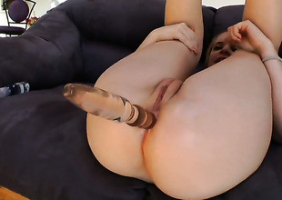 Mariah Mars takes guys fuck stick up her muff