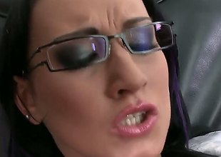 Carmen Black tries her hardest to make hawt guy bust a nut with her mouth