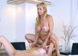 Molly Mae rimming out hot milf Alexis Fawx