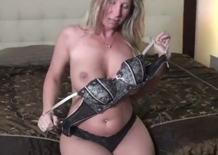 Naughty chubby blond haired aged blowlerina sucks delightsome prick