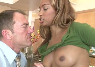 Stunning black babe Bella Moretti gets fucked wide of a horny guy