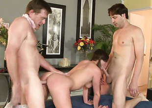Victoria Lawson gets down on her knees to gives unfathomable throat job to handsome guy