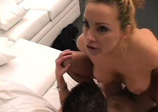 Buxom blonde milf Rebecca needs a juvenile stud's 10-Pounder filling her peach
