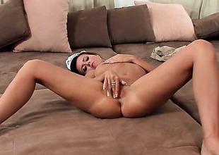 Laetitia makes her sexual fantasies come true alone