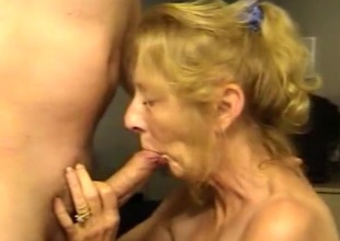 Blonde older wife likes ball batter