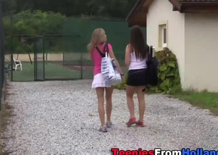 Legal age teenager les rubbing snatch