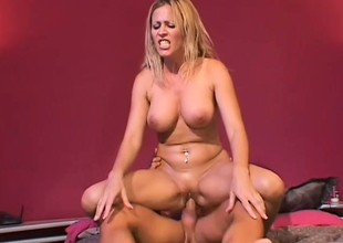 Pleasant big arse blonde whore has unprotected sex with tattooed lecher