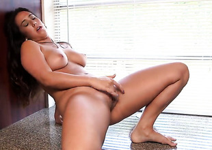 Eva Lovia is ready to pose naked and masturbate day and night