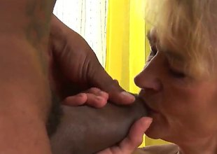 Well-experienced whore asks Franco Roccaforte to set in his ram rod in her mouth