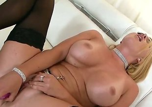 Krissy Lynn poses flirtatiously in advance of masturbating