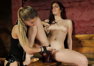 Blond stunner Nikky Thorne has some time to give some raunchy pleasure to lesbian Mira Sunset