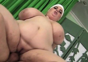 Super Size Fatty Boobalatty Sashaa Juggs Eats Dick