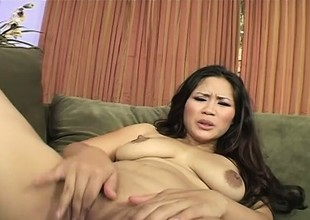 Jessica Bangkok shows of her precious sagging mambos and slurps white knob