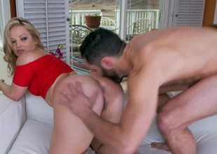 Fat ass hottie Alexis Texas mounted from behind and fucked