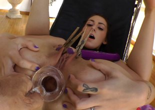 Brunette become angry vixen takes a glass dildo unfathomable in her rectum