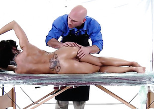 Capri Cavanni is getting a sex massage