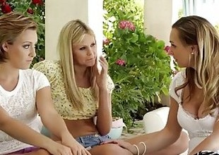MommysGirl Lesbian Mom Helps Legal stage teenagers Find G-Spot