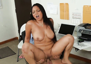 Kris Slater is horny and cant wait no more to pound Adrianna Luna with hairless pussy