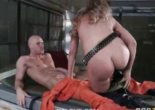 amy fucked in prison