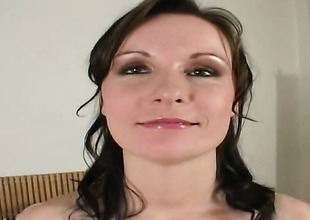 Brunette Miriam cant live a day out of fingering her vagina