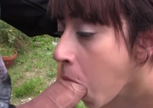 Petite gal gets banged by two dudes in the backyard