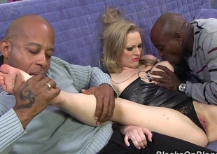 Milf's first interracial threesome leaving her screaming for more