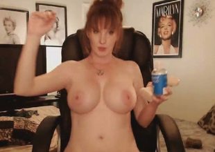 Sexy Large Titties MILF Shows Stripped in a Hot Pussy Maturbation Show